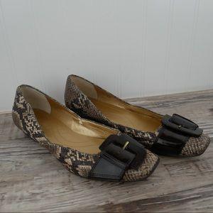 Tahari Jules sz 7.5 brown python buckle flats